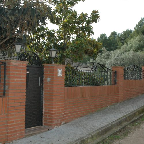 Sobremur de Forja i Porta peatonal
